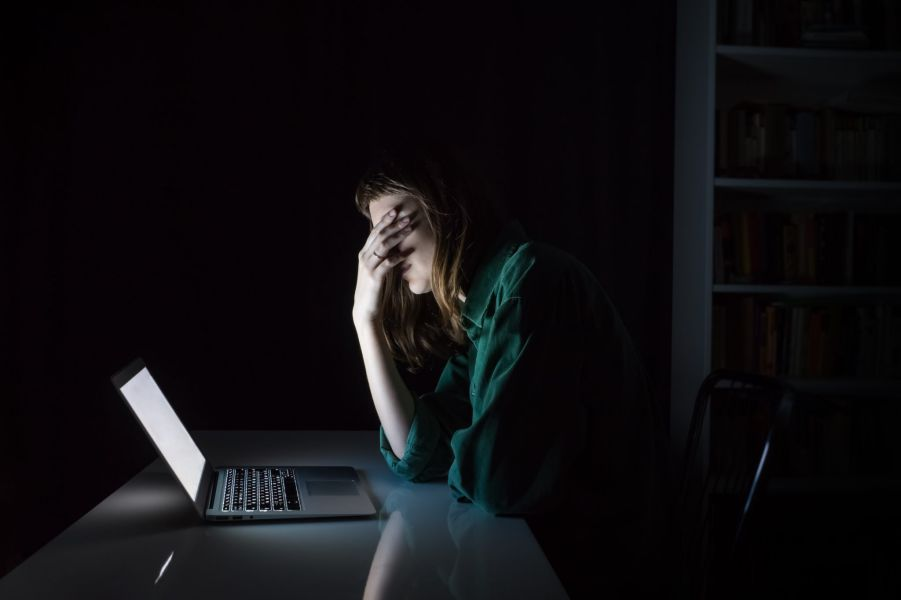 Woman In front PC   Common Problems and How CBD Can Help - Verda